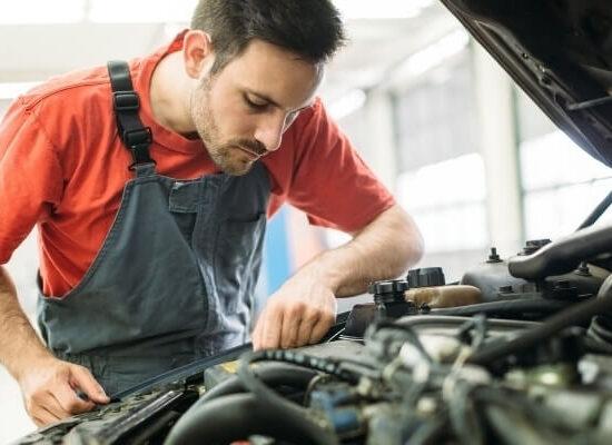 Cómo hacer un mantenimiento preventivo de tu coche